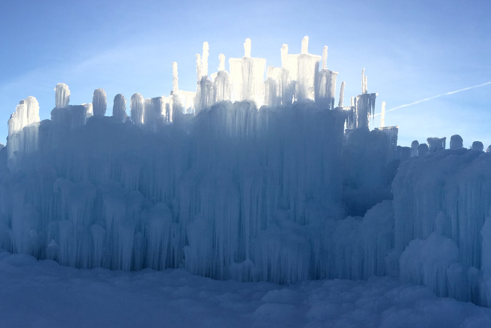 Icecastles-midway-1000x670_large