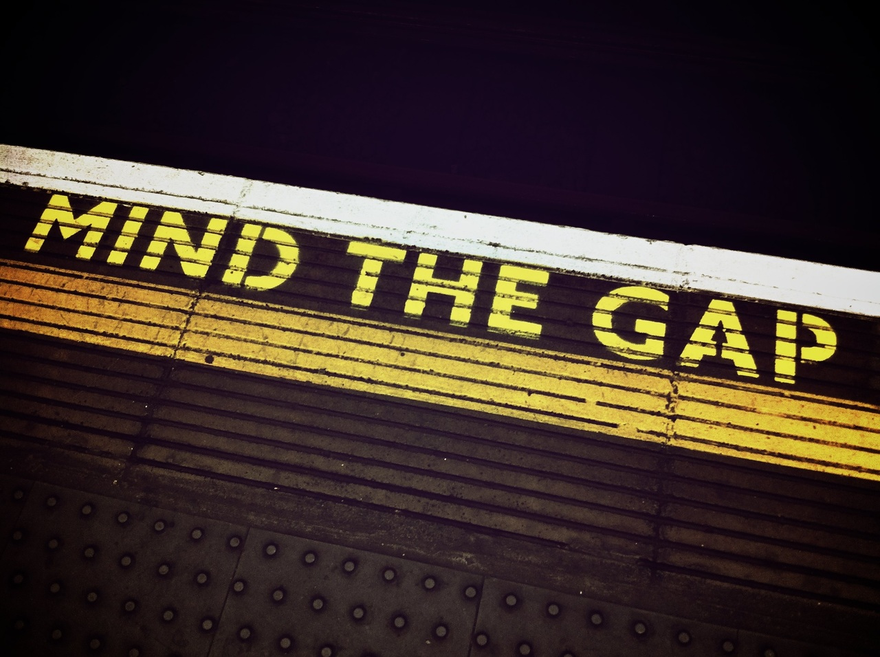 Mind-the-gap-1876790_large