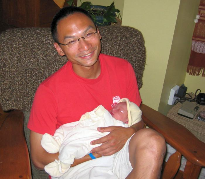 Dad with newborn