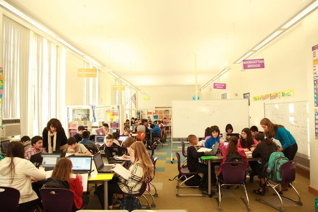 Teachers%20leading%20groups_large