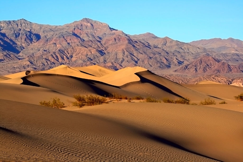1024px-mesquite_sand_dunes_in_death_valley_large