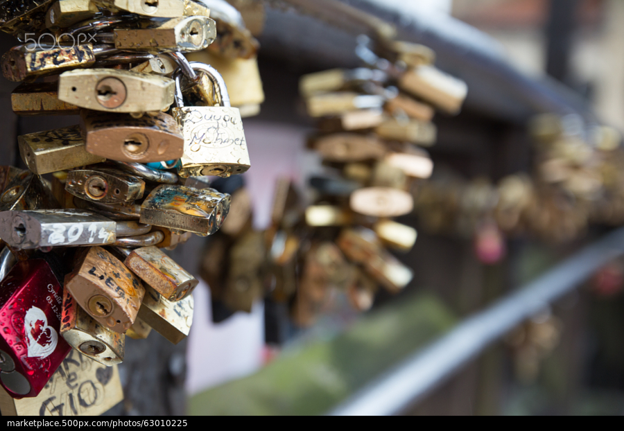 Stock-photo-love-locks-63010225_large