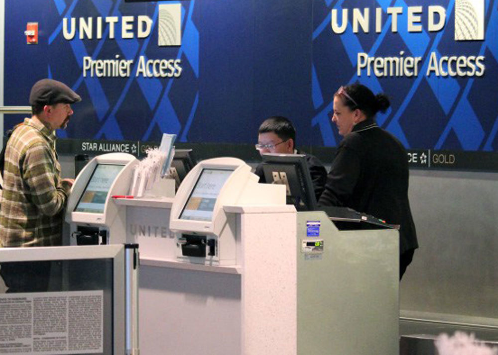 Airport-check-in-united-elite-1000x716_large